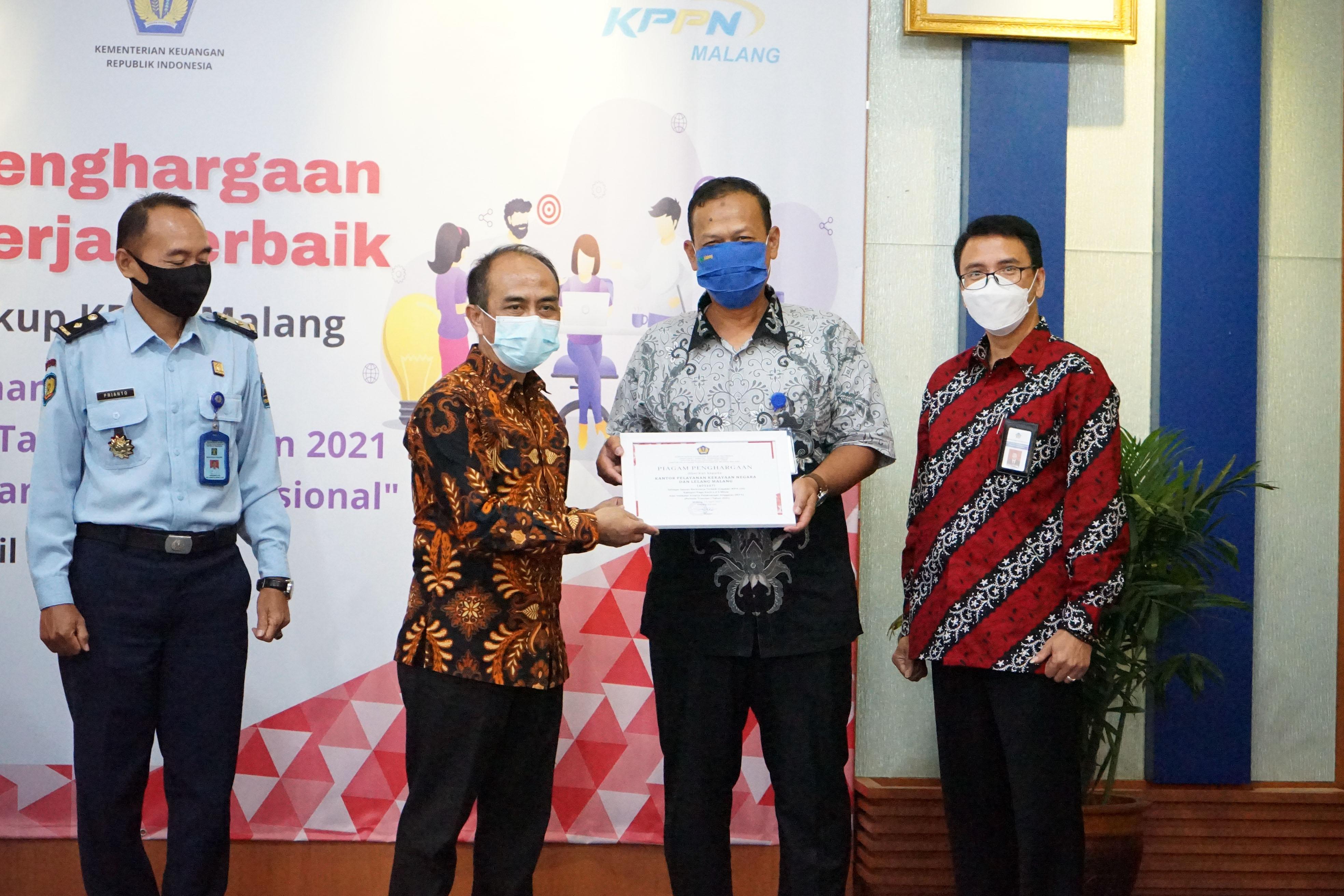 KPKNL Malang Raih Penghargaan PRISMA Periode Triwulan I Tahun 2021