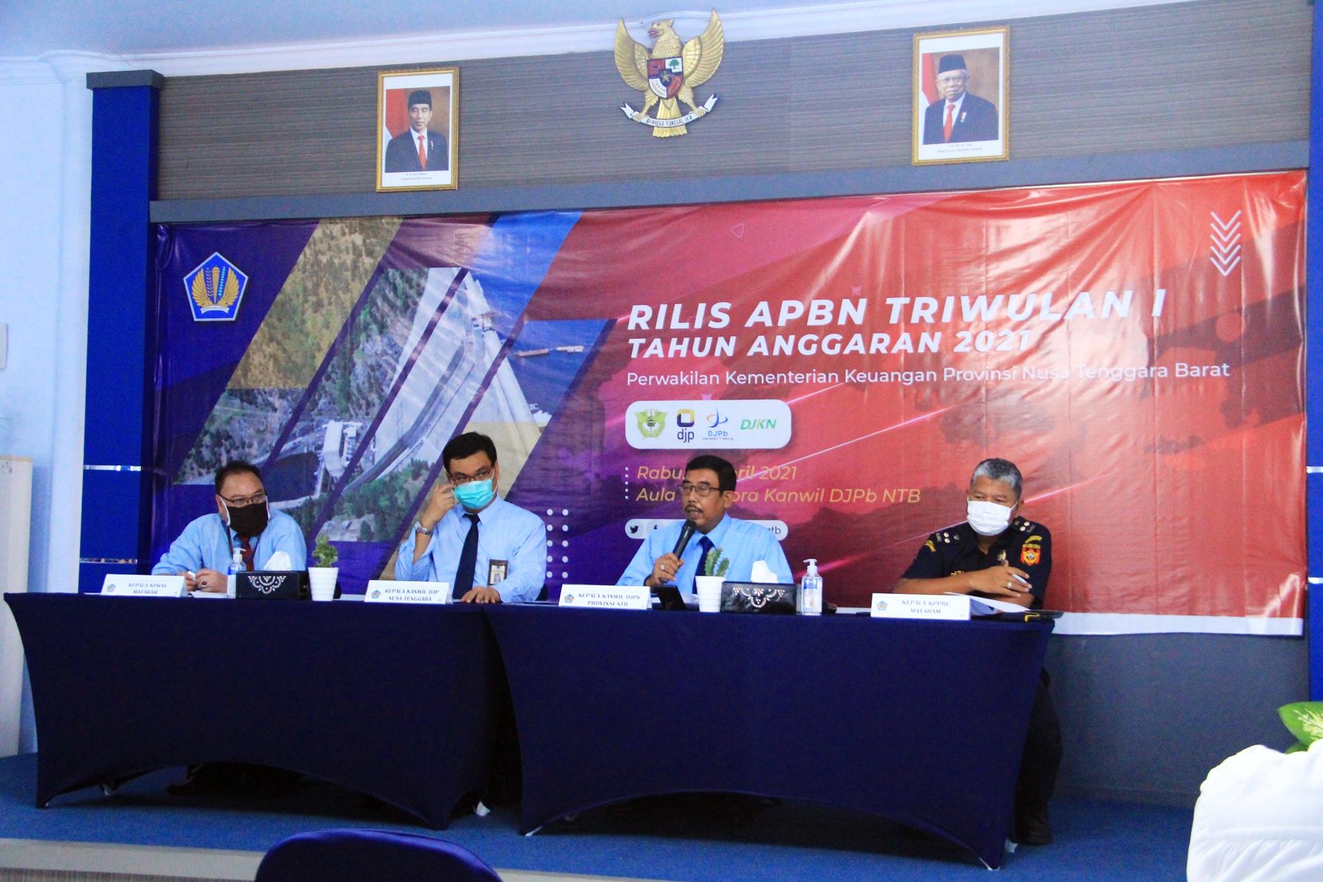 Informasikan Pengelolaan APBN, Perwakilan Kemenkeu Provinsi NTB Selenggarakan Press Conference Kinerja APBN Triwulan I