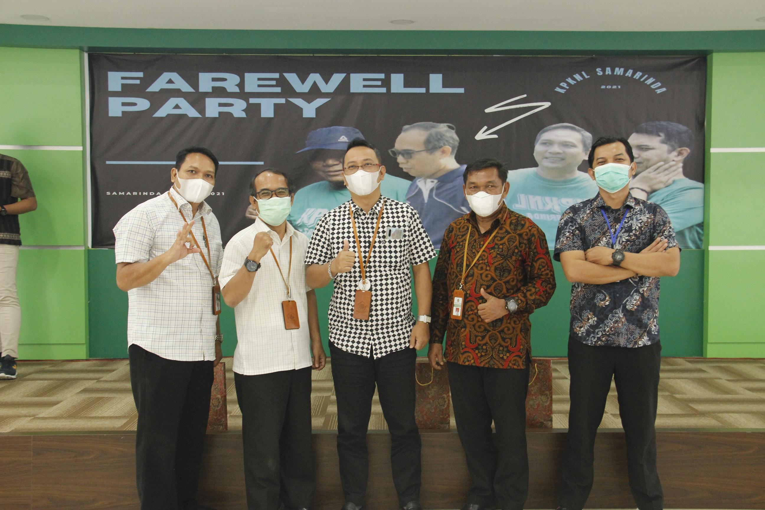 Farewell Party: Patah Tumbuh Hilang Berganti
