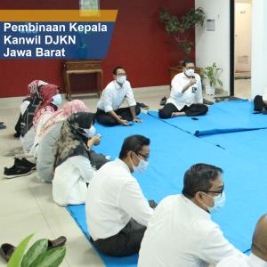 Ditengah-tengah Kesibukan Kepala Kanwil DJKN Jawa Barat Sempatkan Beramah Tamah Dengan Pegawai KPKNL Cirebon