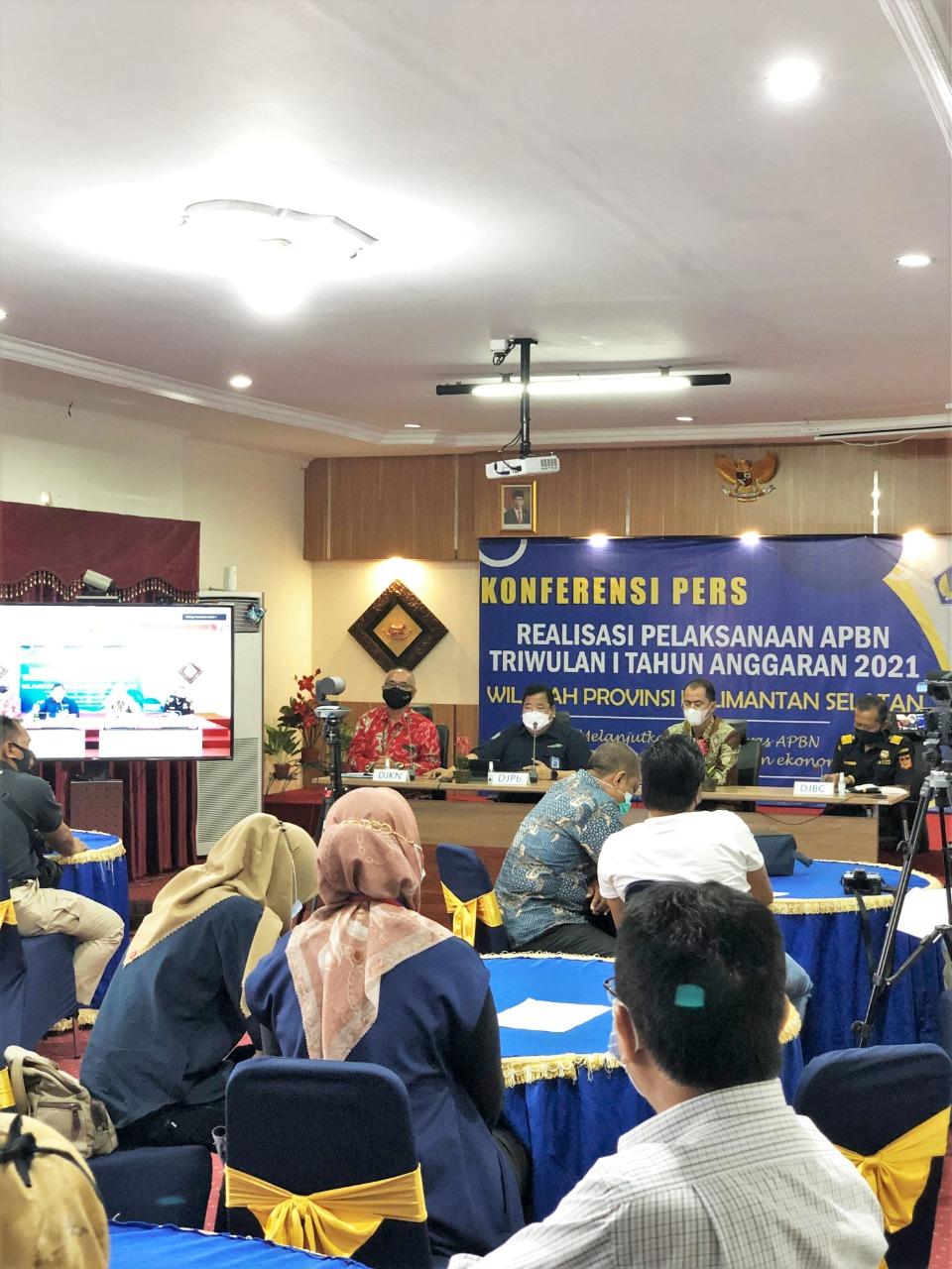 """Konferensi Pers """"Melanjutkan Kerja Keras APBN untuk PEN"""""""