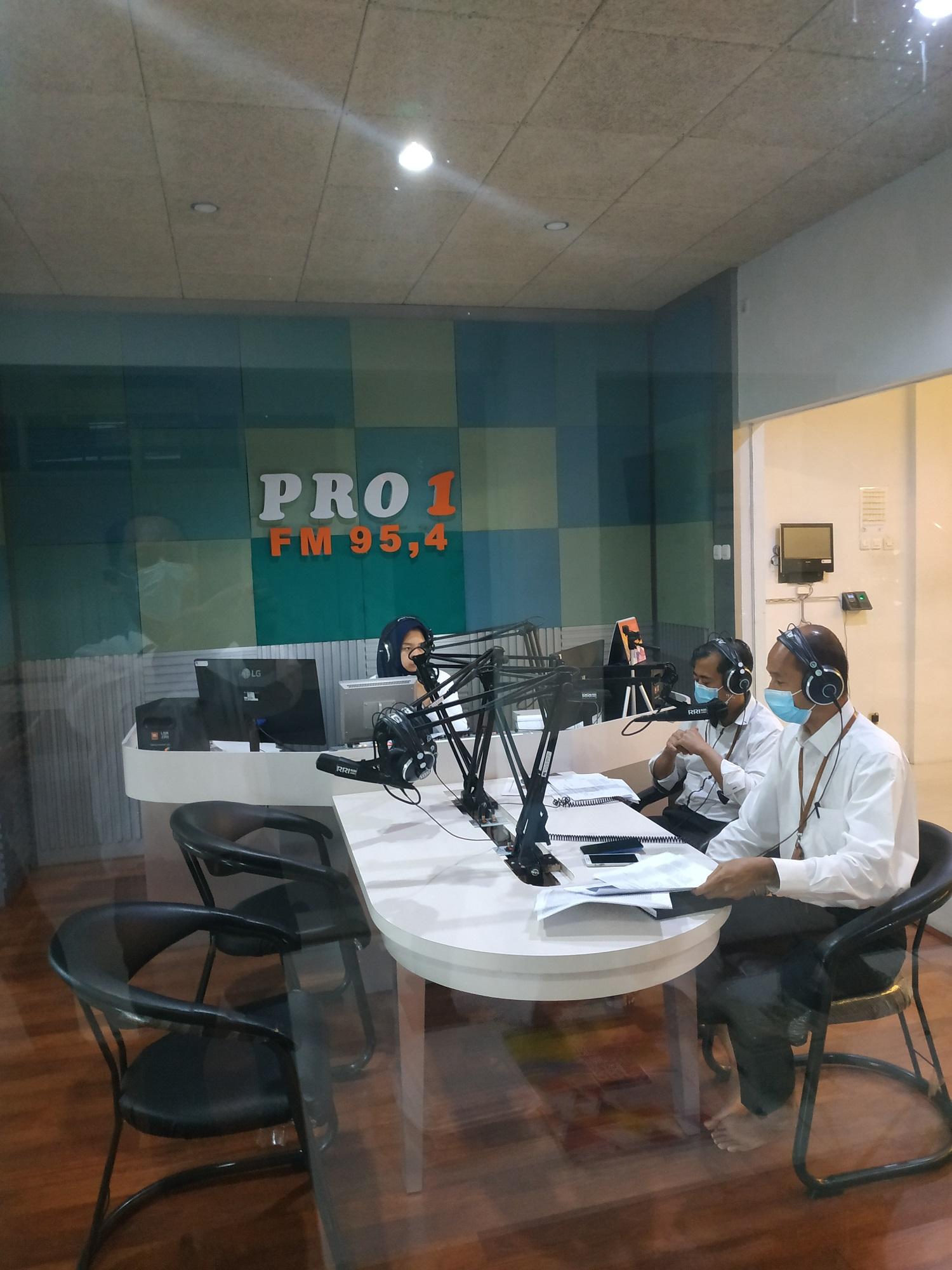 Sinergi KPKNL Jember dan RRI Pro 1 Jember  Sosialisasikan Crash Program Keringanan Hutang