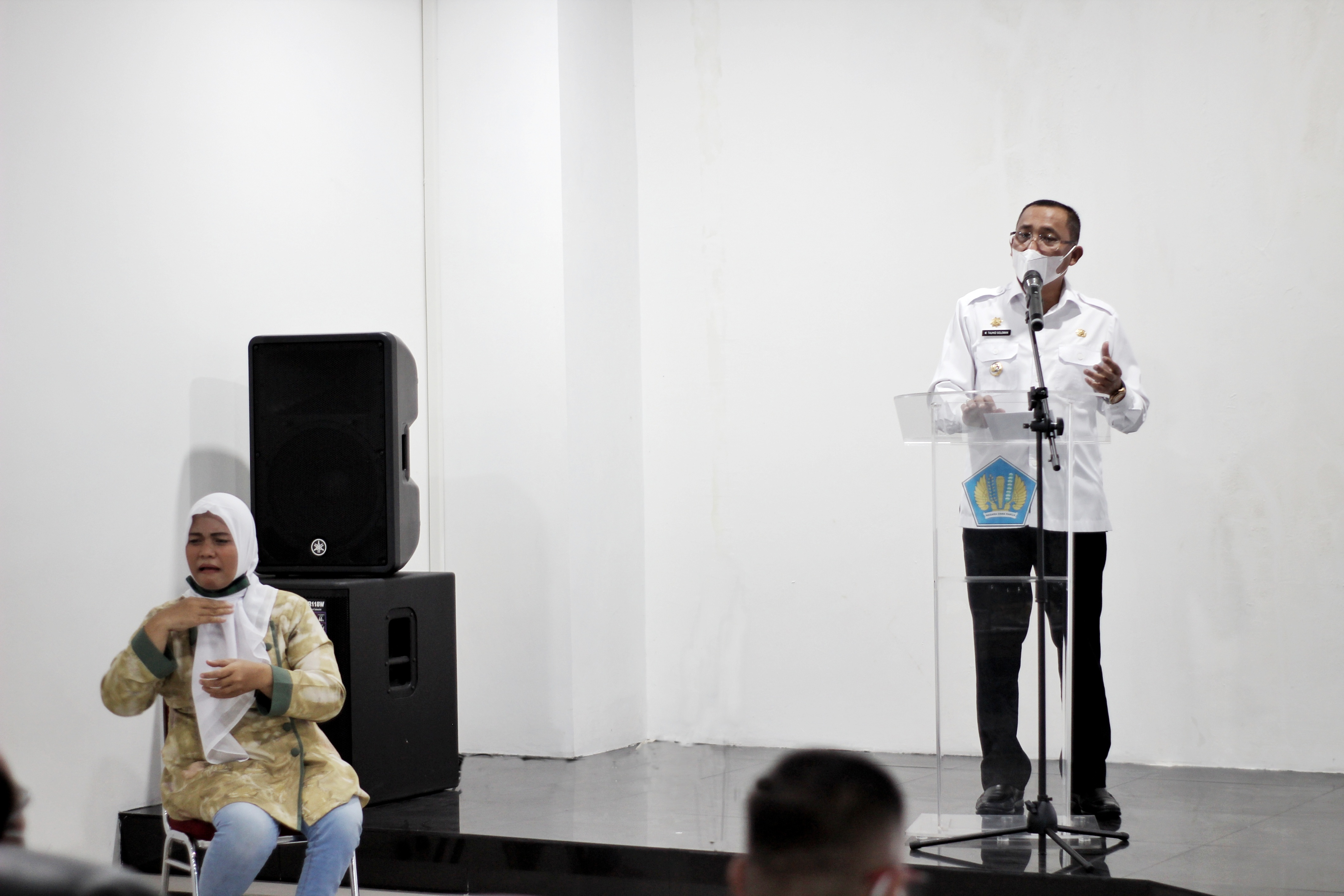 Kolaborasi Wujudkan Ternate Kota Inklusif, Wali Kota Ternate Buka Pelatihan Bahasa Isyarat di KPKNL Ternate