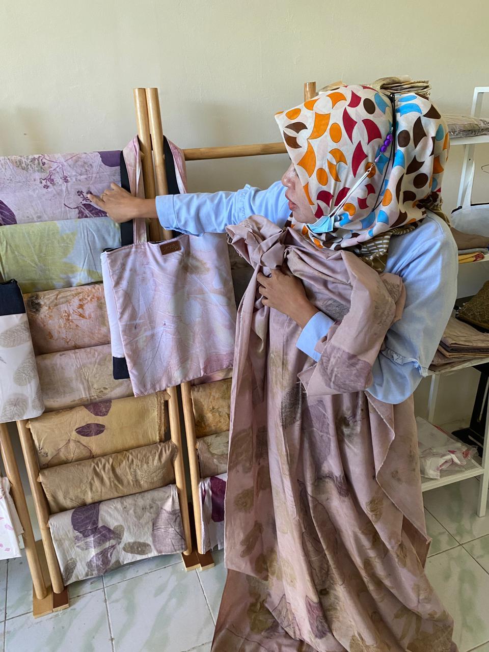 Menilik Batik Cantik Eco Print Karya BRSPDI, Kab. Sigi.