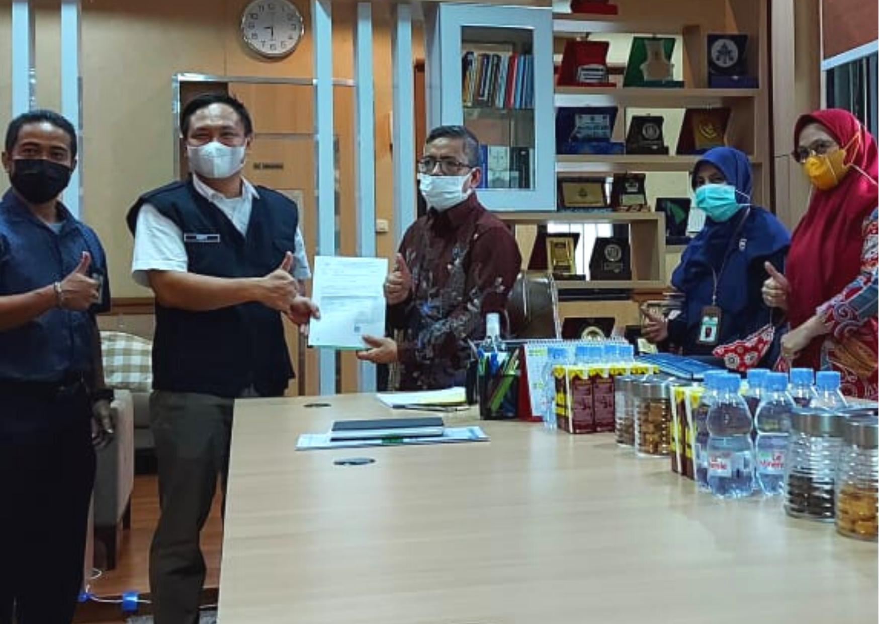 Sinergi dengan BKAD Provinsi Sulawesi Selatan, Kanwil DJKN Sulseltrabar Serahkan Laporan Penilaian BMD