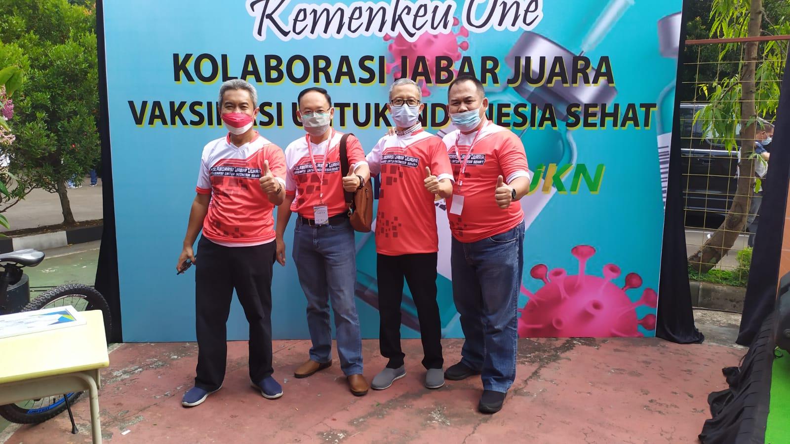 Kanwil DJKN Jawa Barat Bersama Gerakan Kolaborasi Jabar Juara Turut Mensukseskan Vaksinasi Untuk Indonesia Sehat
