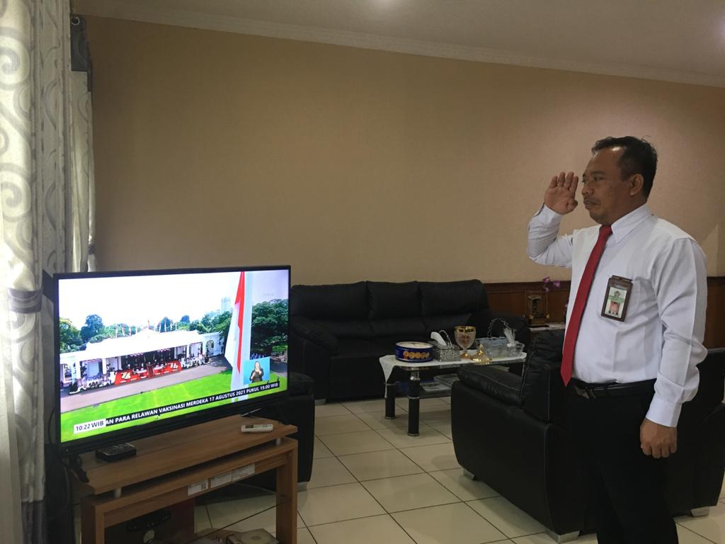 Kobarkan Semangat 45 Meski Tak Bertatap Muka, Pegawai KPKNL Bima Laksanakan Upacara Peringatan Kemerdekaan RI Dengan Khidmat