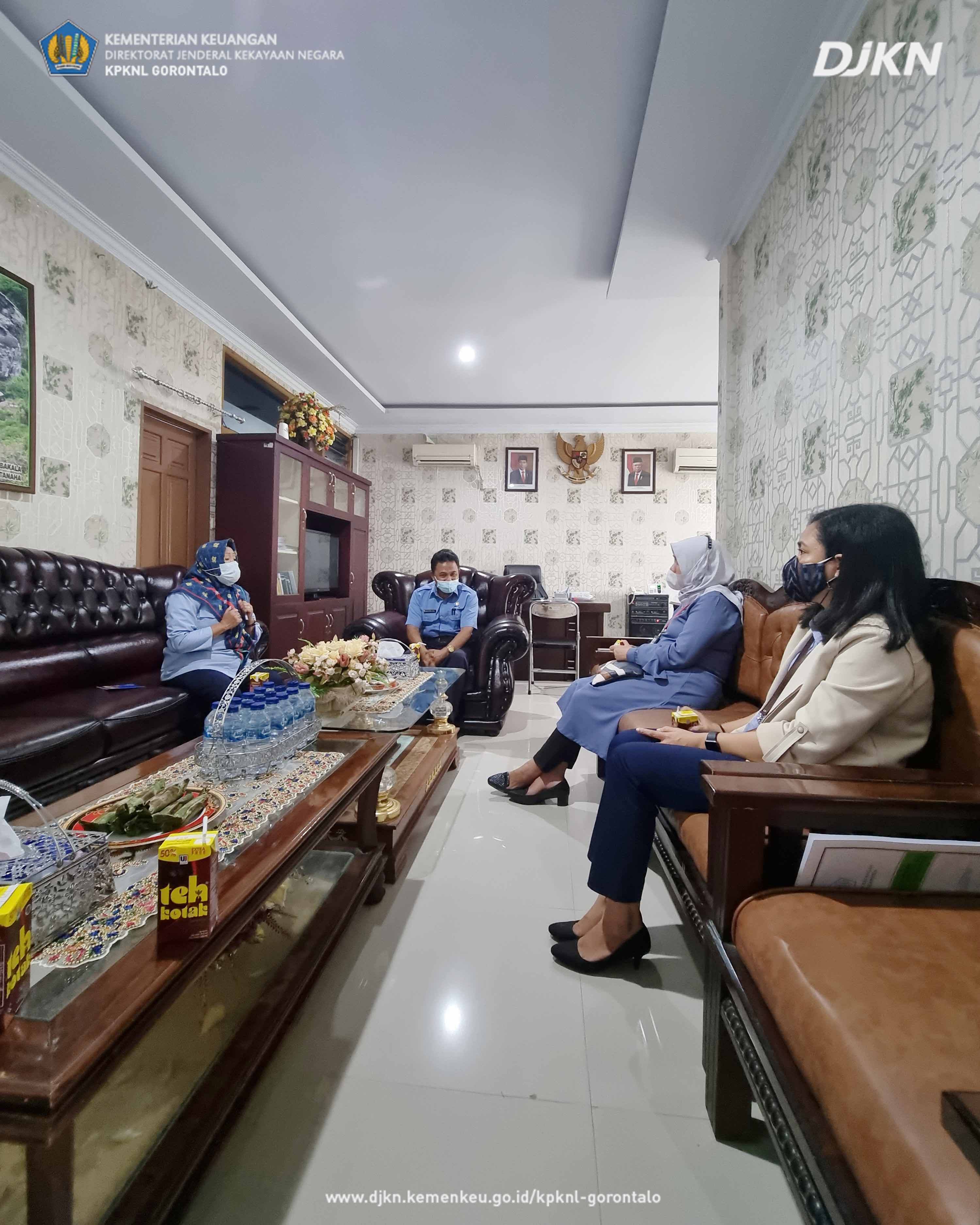 Melalui Media Visit, Kepala KPKNL Gorontalo Ajak RRI Siarkan Optimalisasi BMN