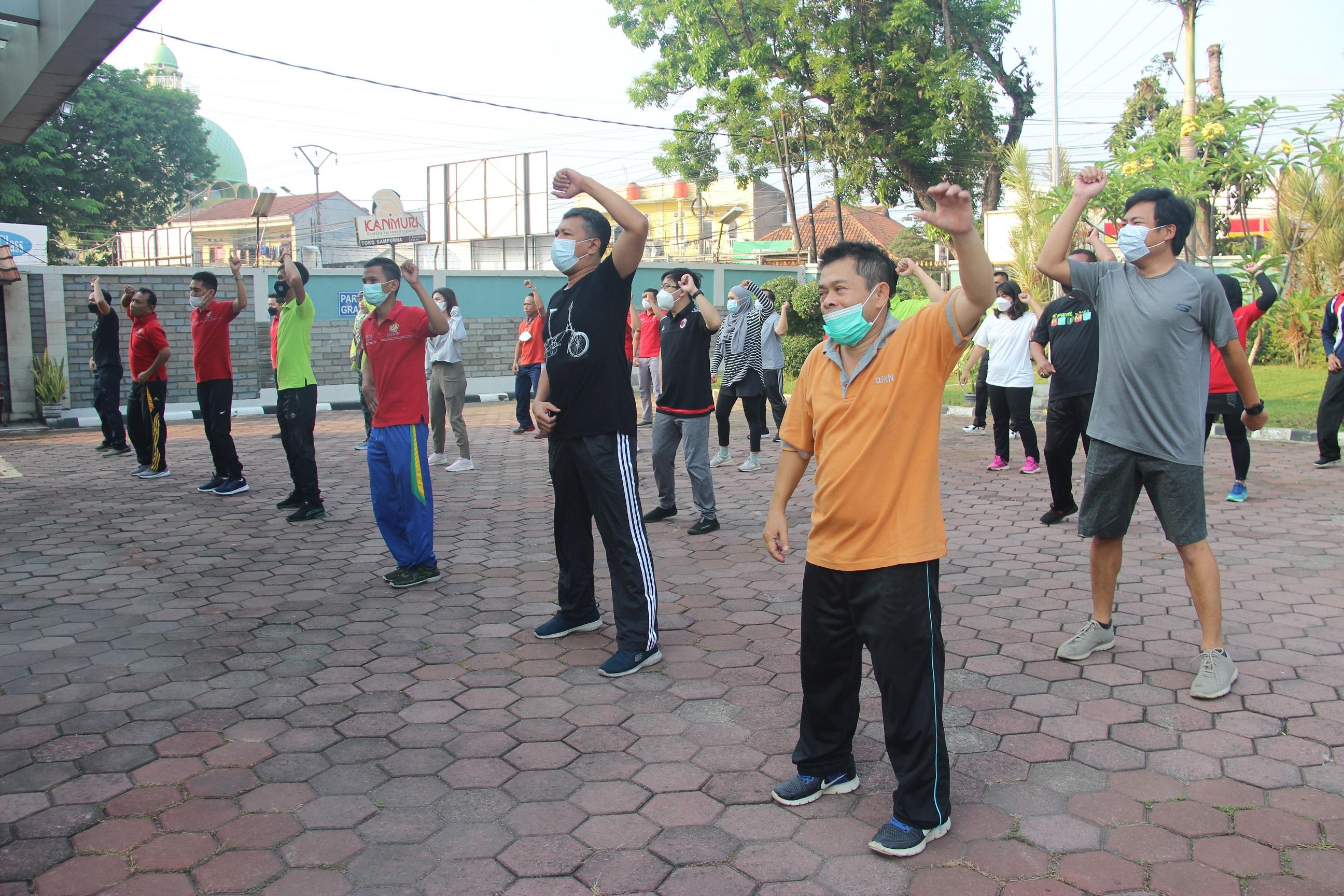 Meriahkan Kick-off HUT ke-15 DJKN, KPKNL Serang Laksanakan Senam Pagi Bersama