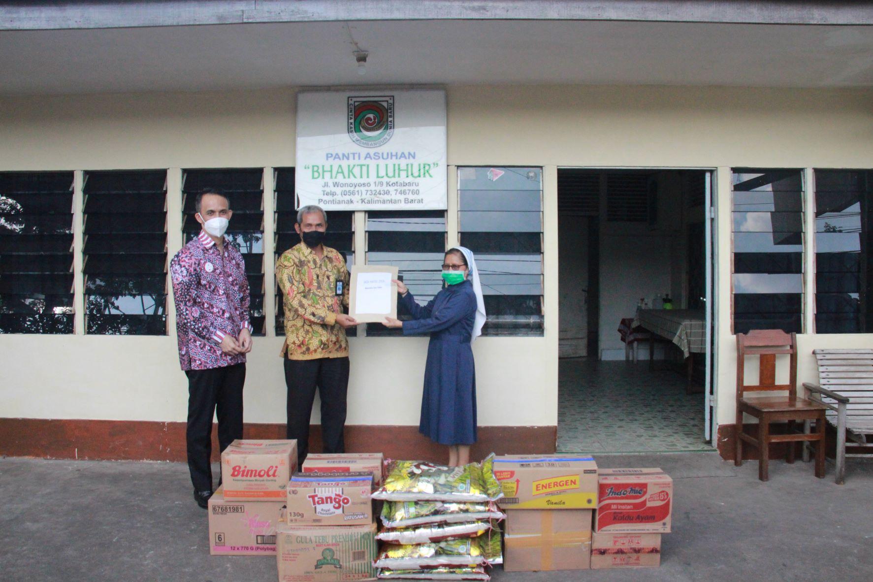 Bakti Sosial Kementerian Keuangan Perwakilan Kalimantan Barat Wujud Bela Rasa kepada Sesama