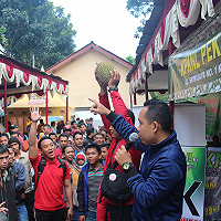 Kenalkan Tusi, KPKNL Pekalongan Lelang Durian di Festival Durian