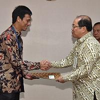 Lampaui Target RKAP 2019, Laba Bersih PT SMI Tembus 100,33%